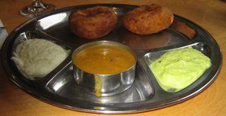 Indian_saravanaabhavan_medhuvada